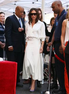 Victoria Beckham Reveals The One Colour She Thinks Always Looks Good In The Country - We chart the best off-duty style moments from pop star turned fashion industry maven Victoria Beckh - David E Victoria Beckham, Victoria Beckham Outfits, Victoria Beckham Style, Victoria Beckham Fashion, Look Fashion, Fashion Outfits, Womens Fashion, Fashion Trends, 20s Fashion