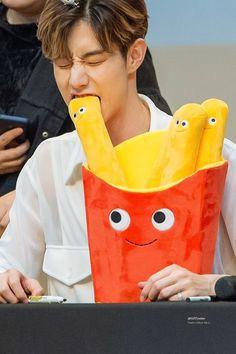 Eat me like that— Yugyeom, Youngjae, Mark Bambam, Got7 Mark Tuan, Got7 Jackson, Mark Jackson, Jackson Wang, Jinyoung, Girls Girls Girls