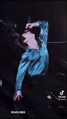 Jungkook Abs, Jungkook Cute, Foto Jungkook, Foto Bts, Jungkook Oppa, Baekhyun, Bts Bulletproof, Bts Maknae Line, Bts Dancing