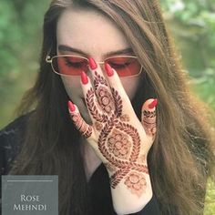 Mehendi and Sangeet Photography is the new métier in wedding photography Stylish Mehndi Designs, Mehndi Designs For Girls, Beautiful Henna Designs, Latest Mehndi Designs, Arabic Mehndi Designs, Mehandi Designs, Arabic Design, Tattoo Designs, Mehndi Design Pictures