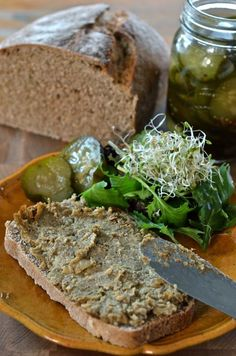 I used to eat this all the time. Joys of Anne & Alex: The vege- pate, a recipe from Quebec. Taste of Montreal! Veggie Pate Recipes, Vegetarian Recipes, Cooking Recipes, Healthy Recipes, Foie Gras, Yummy Veggie, Canadian Food, Vegan Appetizers, Appetisers