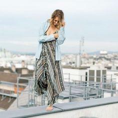 ✨ TO SHOP ✨   >> www.mithandkuss.com/shop Festivals, Top Blogs, Fit, Kimono Top, Jumpsuit, Bohemian, Lifestyle, Brown, Womens Fashion