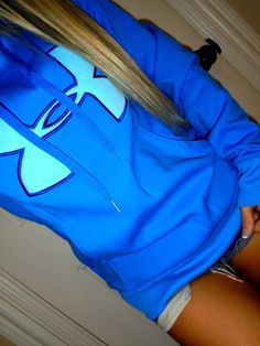 Under Armour blue on blue graphics coldgear semi fitted sweatshirt hoodie S – Women Fashion Under Armour Outfits, Nike Under Armour, Sporty Outfits, Athletic Outfits, Cute Outfits, Boyfriend Girlfriend Shirts, Cut Up Shirts, Under Armour Sweatshirts, Bodybuilding