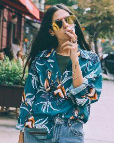 Gilda Ambrosio style | Gilda Ambrosio | street style | button down shirt style | mirror sunglasses