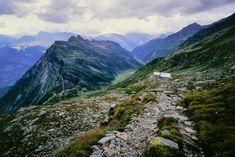Wanderung im Tessin: Ungehobelte Bergwelt | NZZ Bellevue Mount Everest, Europe, Mountains, Nature, Travel, Naturaleza, Viajes, Trips, Nature Illustration