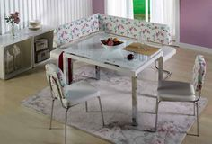 Λειτουργικό σετ τραπεζιού κουζίνας που περιλαμβάνει γωνιακό καναπέ, τραπέζι και δύο καρέκλες