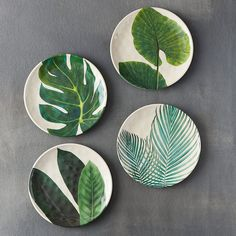 "Ideal for picnics and casual outdoor dining, this shatterproof, bamboo melamine plate is topped with a graphic, leafy print.- Bamboo fiber, melamine- Shatterproof- Dishwasher safe; do not microwave- Imported0.5""H, 8.5"" diameter"