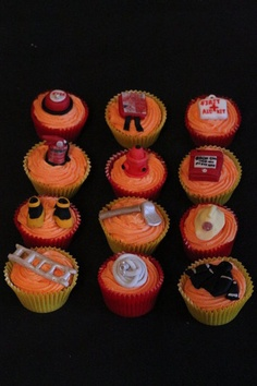 Fire themed cupcakes - by Isiscakes @ CakesDecor.com - cake decorating website