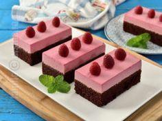 Chocolate cake with raspberry mousse Raspberry Mousse, Chocolate Raspberry Cake, Chocolate Cake, Dessert Bread, Cheesecake, Cherry, Pudding, Cream, Desserts