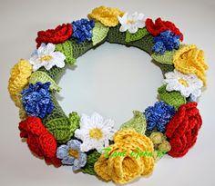 TANT GRÖN: Virka en midsommarkrans Crochet Toys, Crochet Baby, Knit Crochet, Crochet Wreath, Crochet Flowers, Yarn Crafts, Diy And Crafts, Christmas Knitting, Irish Crochet