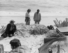 50 Behind the Scenes pics for Jaws' Anniverssary Jaws Film, Jaws Movie, Shark Film, Great Films, Good Movies, Horror Art, Horror Movies, 70s Films, Thriller Film