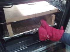 A cheap DIY pizza oven in your own oven. At home!