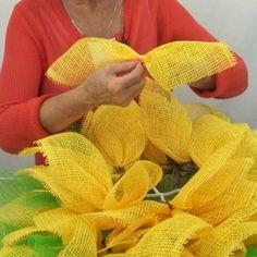Yellow Paper Flower tutorial - Video Tutorial on Trendy Tree #TrendyTree