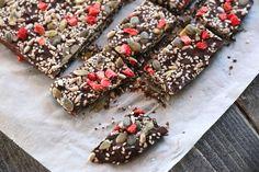 Sjokoladeknekk med frø og kjerner Floral Tie