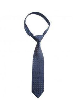 A gentleman look never goes out of fashion so fluant the same wearing this blue silk tie for men #bluetie #menstie #mensfashion #tieonline #formaltie #menaccessories #onlinetie Shop here- https://trendybharat.com/men-fashions/accessories/mens-accessories-tie/blue-silk-tie-for-men-srs-tie-66-blue
