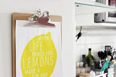 Oravanpesä | DIY: When Life Hands You... -juliste