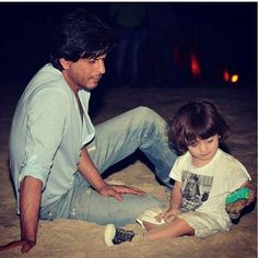 Get to see this pic after such a long time #srk #abram #adorable #cute