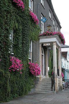 The Angel Hotel, Bury St Edmunds, Suffolk Suffolk England, England Uk, Places In England, Bury St Edmunds, British Home, Uk Holidays, Holiday Resort, England And Scotland, Isle Of Wight