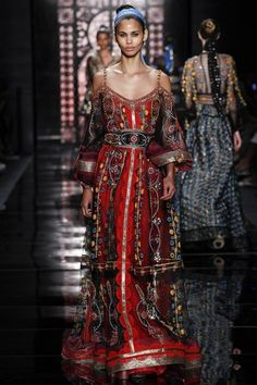 See the complete Reem Acra Spring 2016 Ready-to-Wear collection.