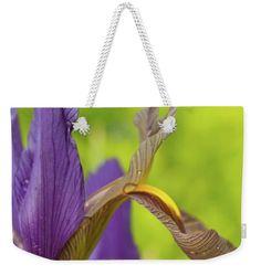 Iris Weekender Tote Bag featuring the photograph Iris And Randrops by Mo Barton