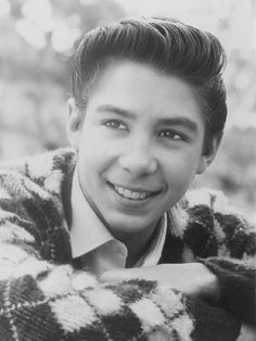 Johnny Crawford > The Rifleman's son! Johnny Crawford The Rifleman Johnny Crawford, Chuck Connors, Clint Walker, The Rifleman, Tv Westerns, Star Show, Stars Then And Now, Star Pictures, Child Actors