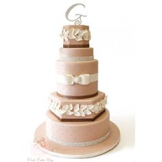 black cake Black Gold Wedding Cake Round Wedding Cakes Wedding Planner... ❤ liked on Polyvore featuring wedding cakes