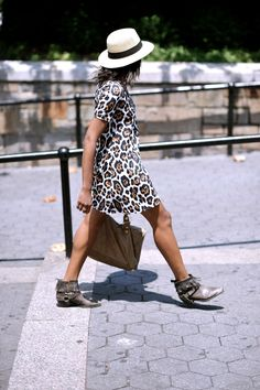 ☆ Rock 'n' Roll Style ☆ the perfect leopard dress Just Style, Style And Grace, Cool Outfits, Fashion Outfits, Womens Fashion, Fashion Trends, Fashion Drug, Style Fashion, Nice Dresses