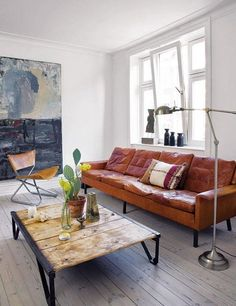 modern living room design Sofá Vintage, Vintage Sofa, Vintage Leather, Vintage Furniture, Vintage Modern, Vintage Salon, Nice Furniture, Reclaimed Furniture, Salvaged Wood
