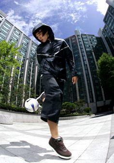 Freestyle Football Performer www.streets-united.com