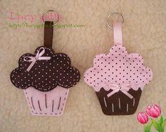 cupcake feltro_marrom rosa - Car Fresheners - Ideas of Car Fresheners - Felt Cupcakes fill with potpourri for car fresheners Felt Crafts Diy, Felt Diy, Handmade Crafts, Fabric Crafts, Sewing Crafts, Sewing Projects, Felt Keychain, Felt Cupcakes, Felt Bookmark