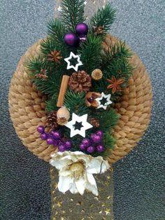 Toto je pecka! Nádherný vianočný veniec vyrobený s ovocných kôstiek. Klobúk dolu, to musela byť iná robota!:)