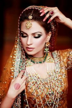 South Asian Bride – Her outfit, ornaments, and makeup is amazing! #desibride #southasianbride #southasianwedding