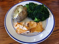 Fork-tender Salmon Fillet for lunch.  With a baked Russet potato, fresh steamed broccoli and freshly baked rolls.  Nice lunch for only $10. Russet Potatoes, Mashed Potatoes, Baked Rolls, Steamed Broccoli, Salmon Fillets, Freshly Baked, Fork, Evans