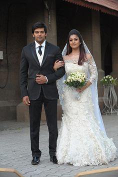 Nayantara Arya Jai Nazriya Nazim Santhanam in Raja Rani Tamil Movie 2013 (1) at Raja Rani Movie Stills  #Nayanthara #NazriyaNazim #RajaRani #Santhanam
