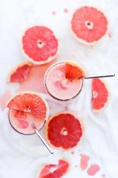 12 Odd Smoothies That Taste Really Good Healthy Fruit Smoothies, Fruit Smoothie Recipes, Healthy Fruits, Morning Smoothies, Healthy Drinks, Drink Recipes, Fruit Soup, Healthy Food, Healthy Sugar