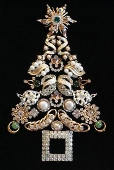instructions for making a Vintage Jewelry Christmas-tree Picture | Framed Antique and Vintage Jewelry Christmas Tree by PipersPieces, $ ... by frances #vintagejewelry