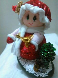 Disney Home Decor, Vintage Christmas, Christmas Ornaments, Holiday Decor, Handmade, Crafts, Bella, Decorations, Christmas Things
