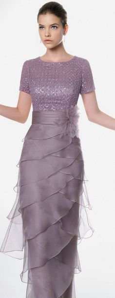 #weddings #dresses #gowns #fashion #designer #mob #motherofthebride | --------------- We are based in the US and offer women of all sizes custom dress designs as well as affordable replicas of couture evening gowns. ----------- www.dariuscordell.com/featured/custom-mother-of-the-bride-dresses/