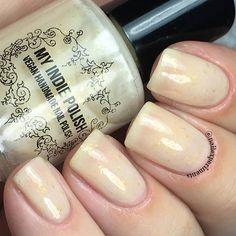Poppin bottles gold flaky polish vegan nail polish 15ml