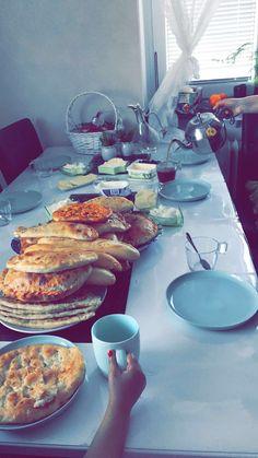 ❤️ Kurdish Food, Table Settings, Place Settings, Tablescapes