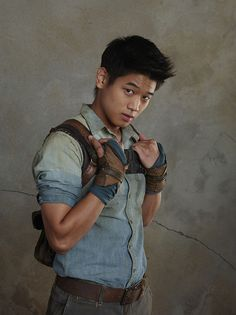 Ki Hong Lee as Minho on the set of The Maze Runner Maze Runner Trilogy, Maze Runner Cast, Maze Runner The Scorch, Maze Runner Series, Newt Thomas, Dylan Thomas, Movies And Series, Cw Series, Book Series