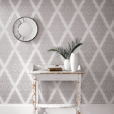 This practical, washable wallpaper boasts beautiful design and durable structure, making it perfect for fashion-forward homes. A gorgeous lace wallpaper with bo