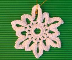 Tutorial para teje cristales de nieve y angelitos para Navidad http://es.blastingnews.com/tendencias/2015/12/como-tejer-angelitos-y-cristales-de-nieve-para-decorar-el-arbol-de-navidad-00678531.html