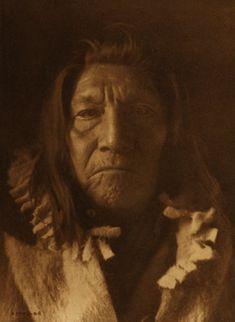 Hunts to Die, Apsaroke, 1908 Looks like my Grandfather did.