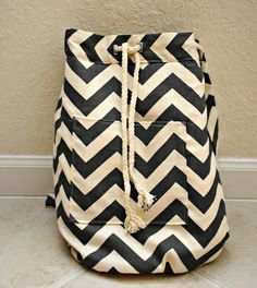 Trash To Couture: DIY backpack - would love to use this fabric for a heavy duty laundry bag