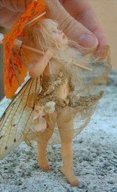 how to: fairy wings from tissue paper