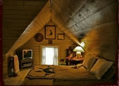 Cozy attic bedroom for homes with small attics Attic Renovation, Attic Remodel, Small Attics, Cozy Nook, Cozy Den, Cosy Corner, Attic Spaces, Small Spaces, Small Rooms