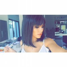 pinterest || g00dvxbes ☼ Short Hair With Bangs, Hairstyles With Bangs, Summer Hairstyles, Cool Hairstyles, Short Hair Styles, Madison Beer Bikini, Madison Beer Hair, Beer For Hair, Flawless Skin