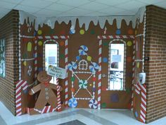 WOW! Gingerbread House @ school    Mini houses with graham crackers and milk cartons - I need to start saving my milk cartons!