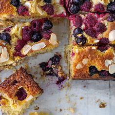 Summer Berry Shortbread Cake